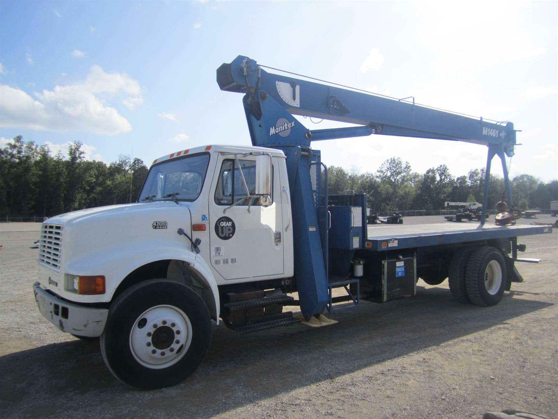 Crane Truck For Sale >> Boom Truck Cranes Boom Trucks For Sale Dozier Crane Machinery Co