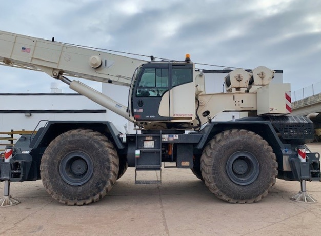 Crane Sales | New and Used Cranes for Sale | Dozier Crane