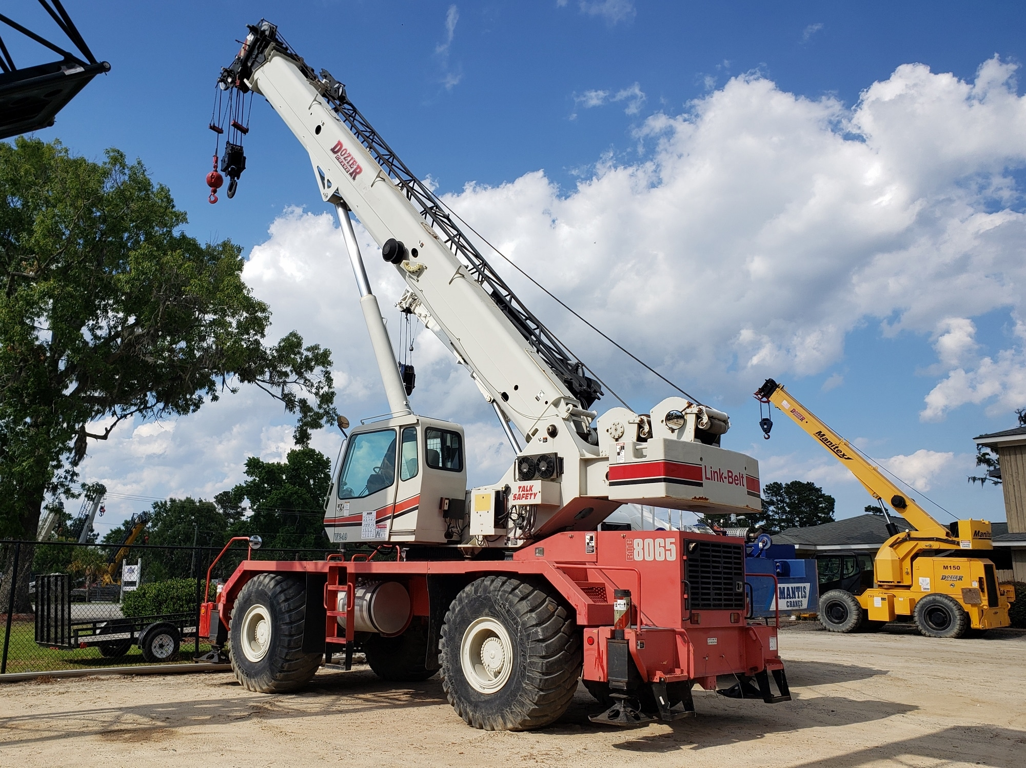 Rough Terrain Cranes | Cranes for Sale | Dozier Crane