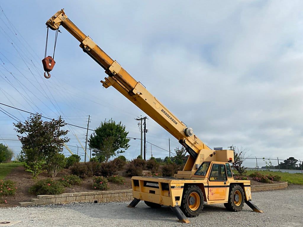 2011 BRODERSON IC-200-3G #2071 Image